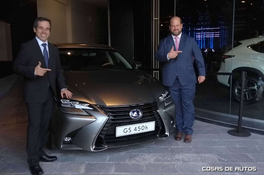 Lexus Salinas