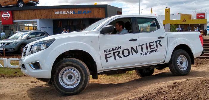Nissan presentó las versiones S y SE de Frontier y lanzó su Plan Canje de Granos