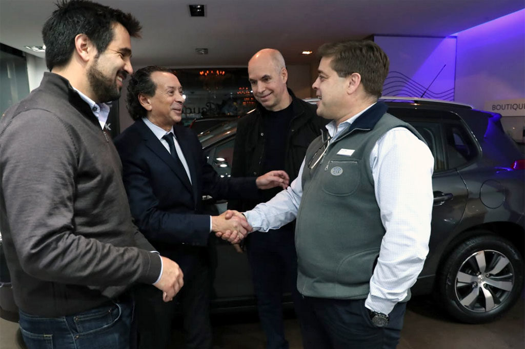 El ministro Dante Sica, junto al jefe de Gobierno de CABA,  Horacio Rodríguez Larreta, visitaron un concesionario Peugeot.