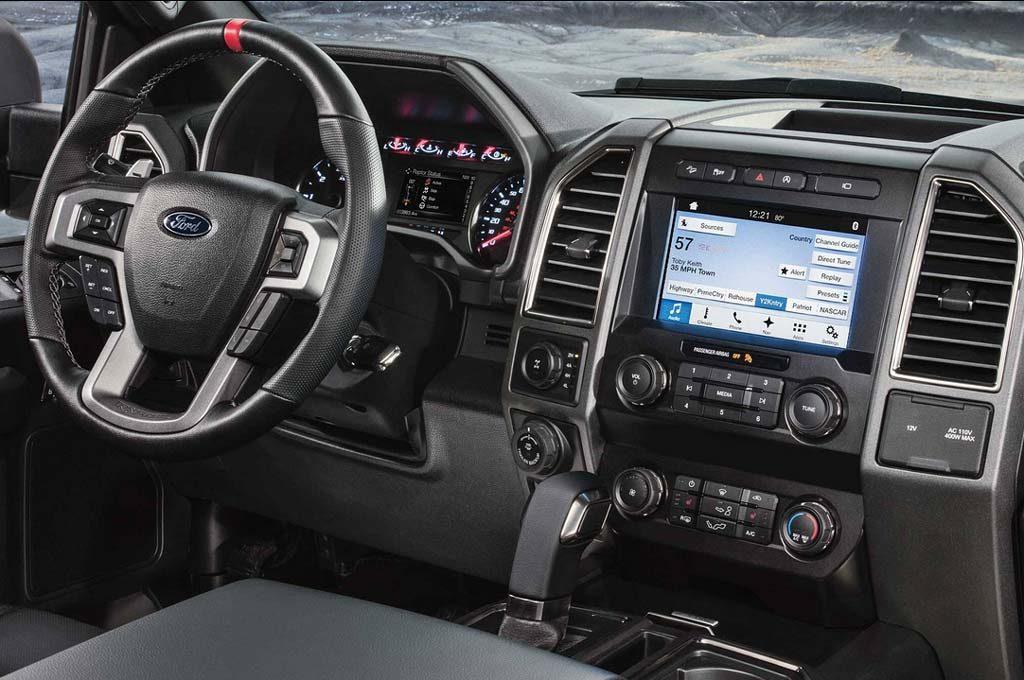 Interor de la Ford F-150 Lariat Luxury