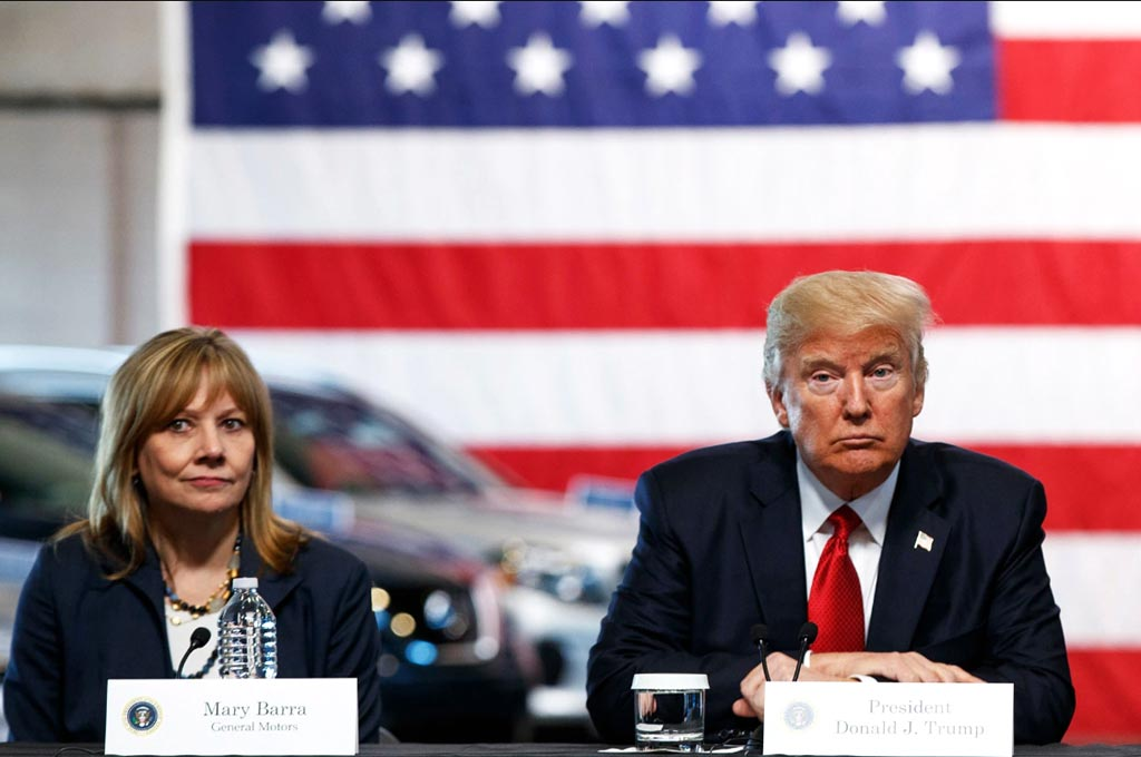 Donald Trump y Mary Barra, CEO de GM.